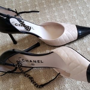 Chanel high heel size 7.5 (US), 37.5(EU) Authentic